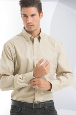 Van Heusen Men's Dress Twill Long Sleeves Shirt